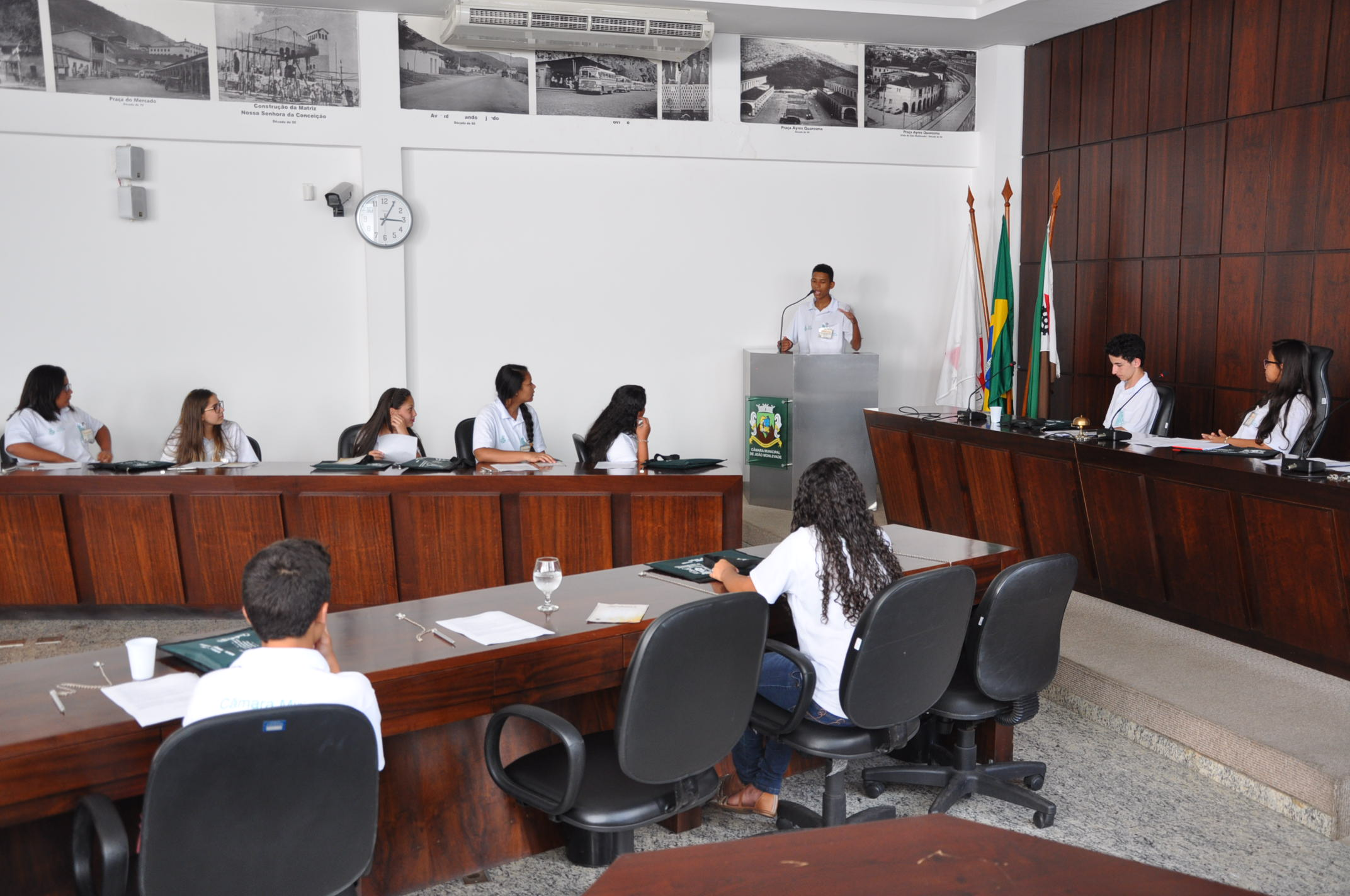 Câmara de João Monlevade conclui projetos Parlamento Jovem, câmaras Mirim e da Melhor Idade com entrega de certificados