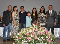 Câmara de João Monlevade homenageia alunos destaques de 2017