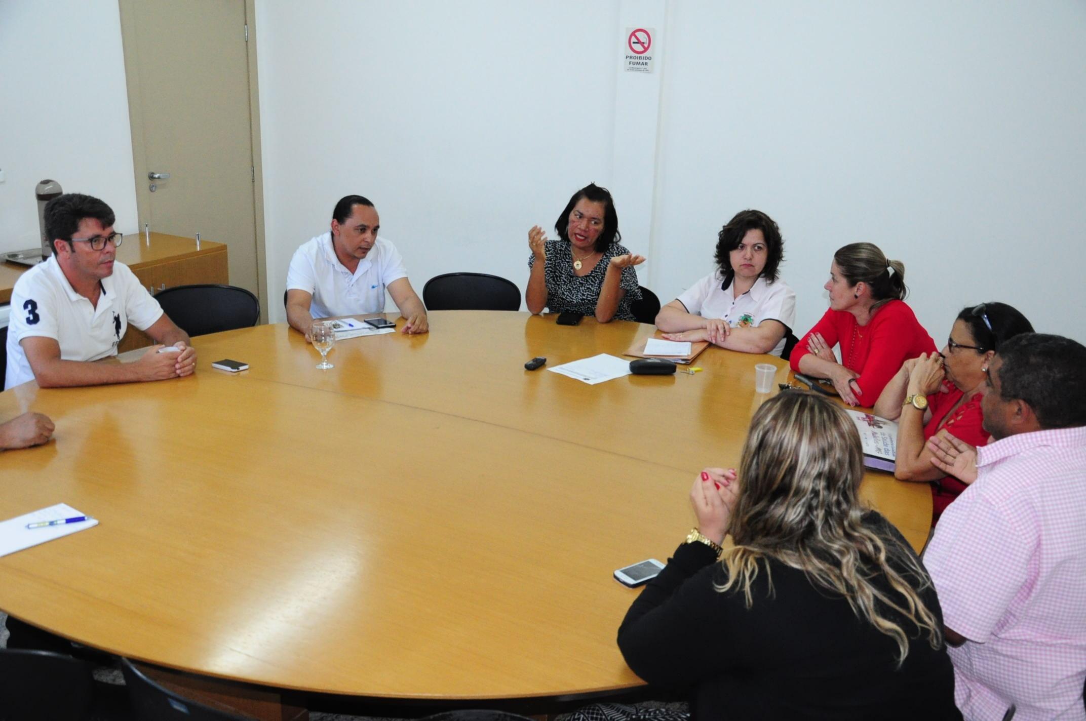 Comissão de Saúde reúne com Secretaria e Conselho para cobrar soluções