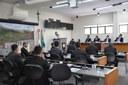 Presidente Djalma Bastos e gerente do Posto de Identificação utilizam tribuna em reunião da Câmara de Itabira