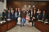 Vanda Loureiro, Tambores do Morro e Ministério Totalmente Dele – Escola de Música são homenageados